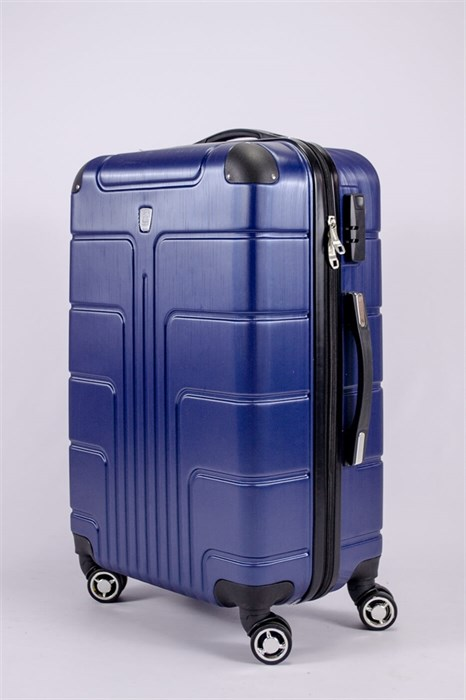 Купить чемодан на 4 колесах с кодовым замком