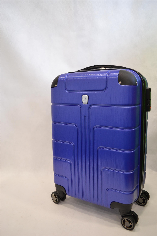 Купить чемодан колесах недорого