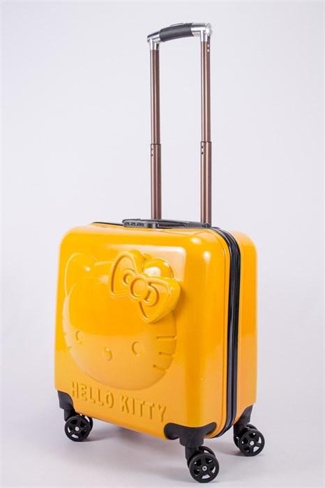 "Детский чемодан с объемным рисунком ""Kitty"" оранжевый PC - фото 40295"